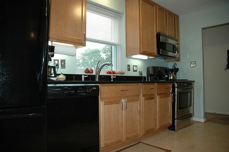 Lovely How To Paint A Kitchen With Maple Cabinets U0026 Gold Brown Counters