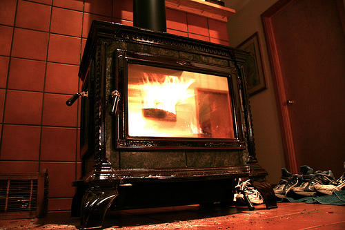 Changing Fire Bricks in your Wood Stove - Changing Fire Bricks In Your Wood StoveDIY GuidesDIY Guides