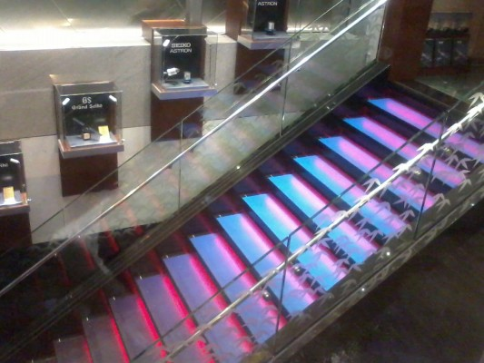 led lights on stairs