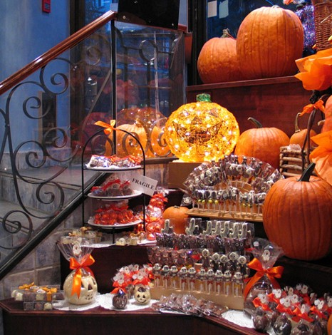 436129278_833f4737b9 - How To Decorate For Halloween