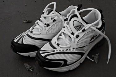 Cleaning your Athletic Shoes properly 320x200 Cleaning your Athletic Shoes properly
