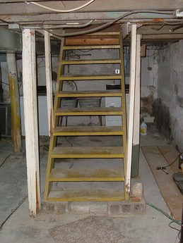 Steps to get rid of walls to open a basement staircasediy for Finishing a basement step by step guide